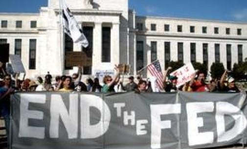 Gli americani frodati dall'élite che mette in pericolo il mondo